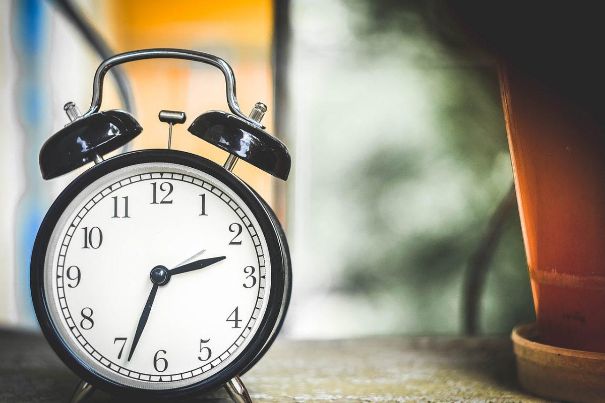 時間外労働等改善助成金(勤務間インターバル導入コース)を詳しく解説!