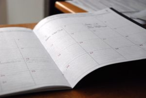 曜日によって勤務時間が異なる従業員に有給消化に対する賃金を支払うには?